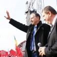 """* Dulapul sãsesc, care rãspunde la komanda """"Klaus Iohannis"""" şi care a fost ales, printr-o ciudatã contorsionare a voinţei populare, preşedinte al României, o ţine, cum susurã un cunoscut cântec..."""