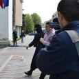 Cât de corupţi sã fie politicienii români? Oare are rost sã mai mergem zi de zi la serviciu, care mai avem unde sã mergem? Oare mai existã vreun politician sau...