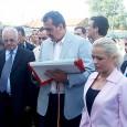 Deputatul PSD, Miron Mitrea, a fost condamnat la doi ani cu executare pentru luare de mitã. În perioada 2000-2004 Miron Mitrea a ocupat funcţia de ministru al Lucrãrilor Publice, Transporturilor...