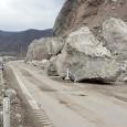 Legãturã dintre judeţele Mehedinţi şi Caraş-Severin este paralizatã din cauza unor alunecãri de teren. Stânci imense, de peste 7 tone, au cãzut pe carosabil, blocând circulaţia de douã zile. Circulaţia...