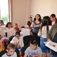 Organizaţia de Femei a PMP Mehedinţi, alãturi de preşedintele acestei formaţiuni politice, Eugen Golea, au oferit cadouri, la sediul partidului, mai multor copii din diferite cartiere ale municipiului Drobeta Turnu...