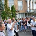 Peste 1000 de salariaţi de la Regia Autonomã pentru Activitãţi Nucleare Drobeta Turnu Severin au protestat, marţi, 14 iulie 2015, în faţa Palatului Administrativ (Prefectura şi Consiliul Judeţean Mehedinţi) în...