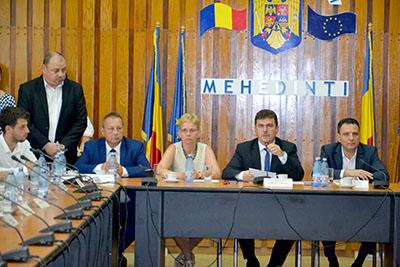 CONSILIUL JUDEŢEAN MEHEDINŢI C O N V O C A T O R  Se convoacă, în şedinţă ordinară, Consiliul judeţean Mehedinţi, în ziua de miercuri, 31 august 2016, ora...
