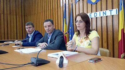 Conducerea Oficiului Naţional de Cadastru şi Publicitate Imobiliarã Mehedinţi s-a întâlnit luni, 22 august, în sala mare a Palatului Administrativ cu primarii din judeţul Mehedinţi, scopul întrevederii fiind furnizarea de...