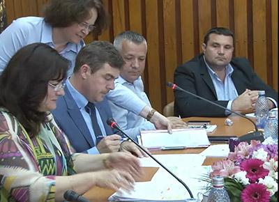 """Marţi, 20 iunie, s-a semnat la Consiliul Judeţean Mehedinţi un contract de finanţare cu fonduri europene de aproximativ 2 milioane de euro pentru reabilitarea Muzeului de Artã """"Gheorghe Anghel"""",..."""