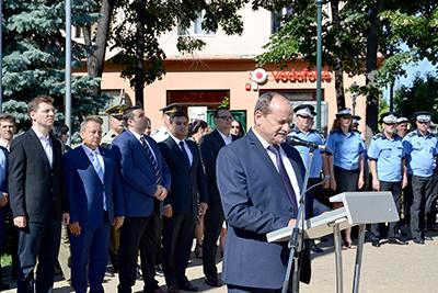 In ziua de 29 iulie 2017, prefectul judeţului, Nicolae DRÃGHIEA împreunã cu Aladin GEORGESCU – preşedintele Consiliului Judeţean Mehedinţi, au participat la manifestãrile prilejuite de sãrbãtorirea Imnului Naţional al...